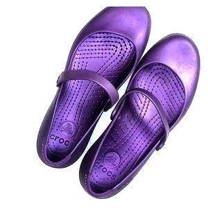 Crocs purple round toe slip on top strap rubber